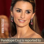 What does Penélope Cruz collect as a hobby?